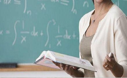 प्रदेश के अशासकीय महाविद्यालयों में 3900 पद रिक्त होने के बावजूद शिक्षक भर्ती फंसी