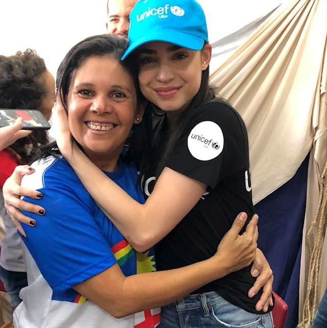 Prefeita Joelma Campos e atriz Sofia Carson
