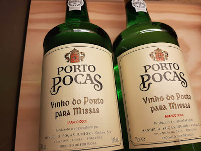 2 garrafas de vinho do Porto Poças