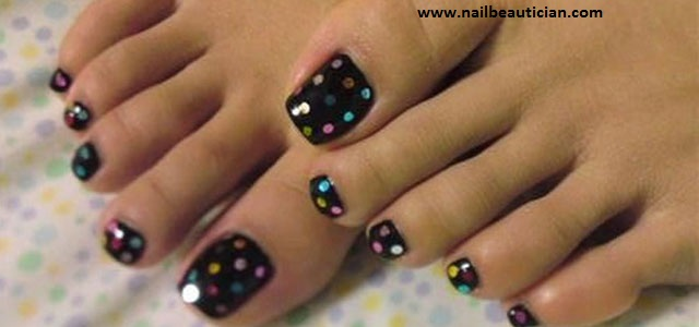 toe nail design for winters