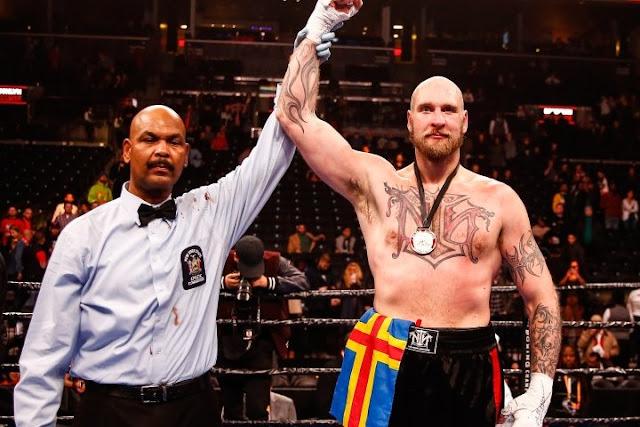 Robert Helenius defeats Adam Kownacki