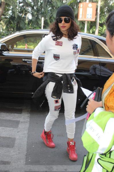 Priyanka Chopra super sexy photoshoot + other HQ images!!!
