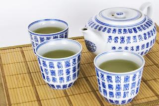 Cara menghilangkan komedo batu dengan teh hijau