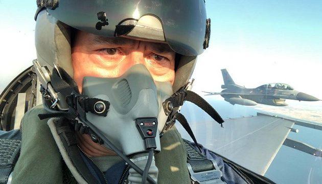 Το νέο σόου Ακάρ με F-16 - Απείλησε Γαλλία και ΗΠΑ (ΒΙΝΤΕΟ)