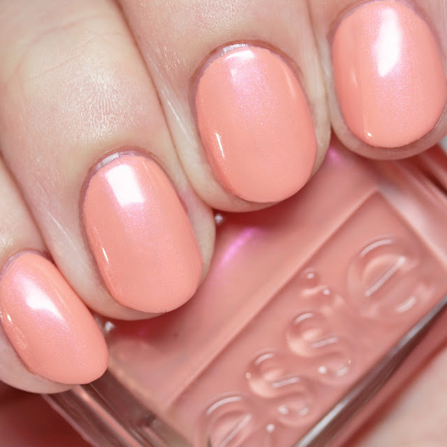 Essie 1547 Pinkies Out