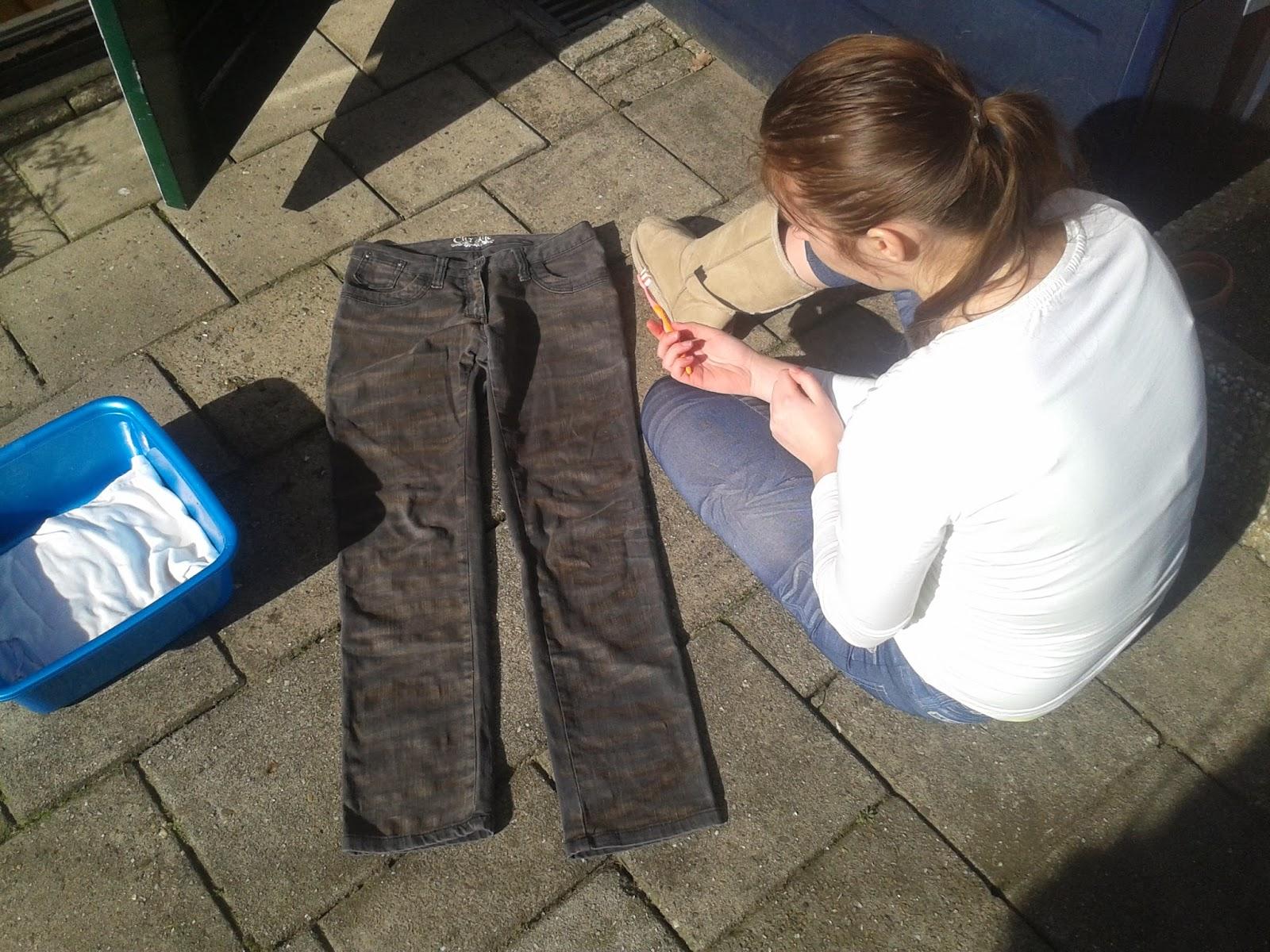 2014 03 04+12.39.02 - DIY broeken bleken
