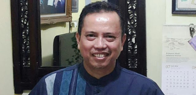 IPW: PSBB Jalan, Polri Beraninya ke Rakyat, ke TKA China Melempem