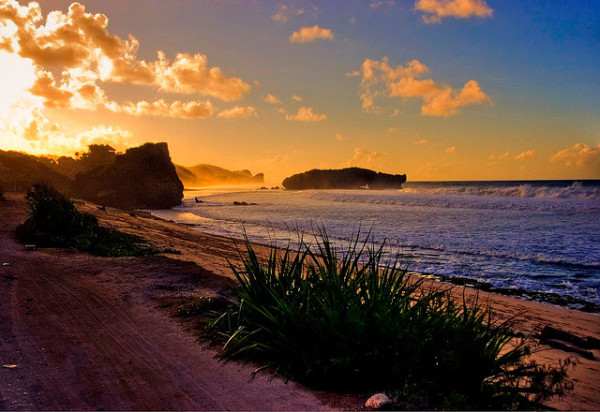 Matahari terbit di Pantai Sundak GunungkidulMatahari terbit di Pantai Sundak Gunungkidul