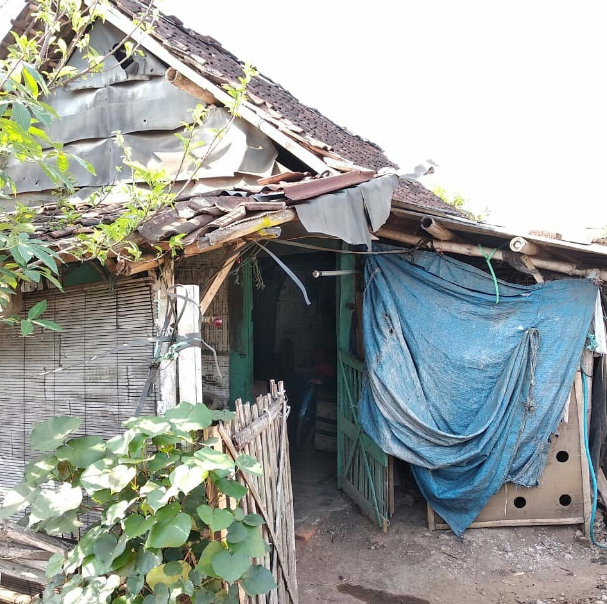 Renovasi Rumah Mbah Ramlan