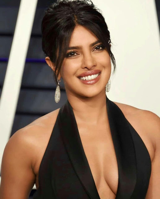 Priyanka Chopra HD Desktop Wallpaper 2020