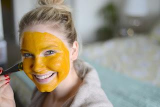 12 Manfaat Masker Kunyit untuk Kecantikan