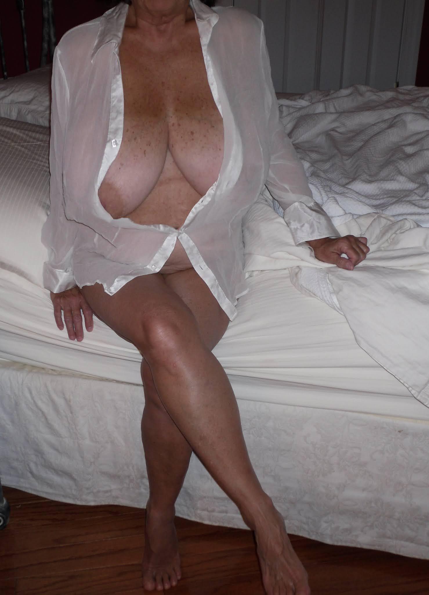 Mature tits pics big Mature Saggy