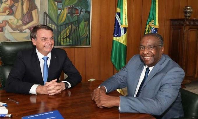 Carlos Decotelli é o novo ministro da Educação, anuncia Bolsonaro