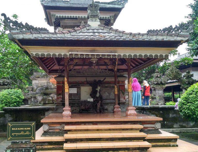 Rumah Adat Bali Aling Aling