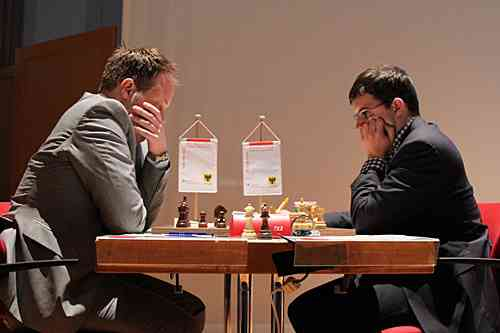 Ronde 5 : Evgeniy Najer 0-1 Maxime Vachier-Lagrave - Photo © site officiel