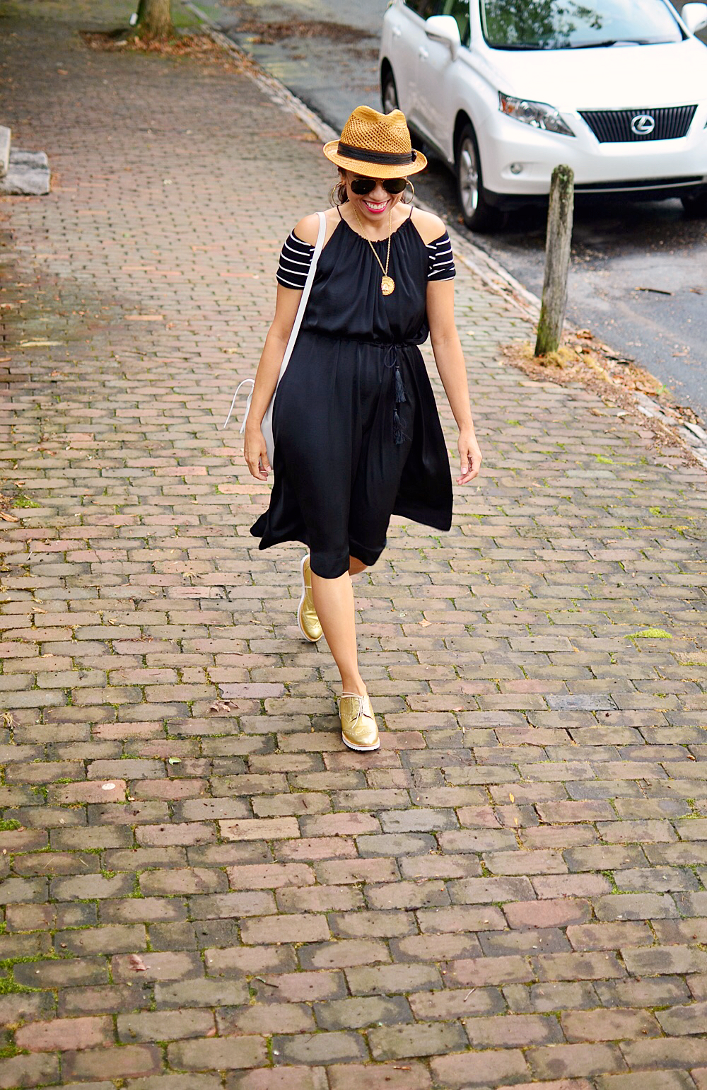 Black and gold street style