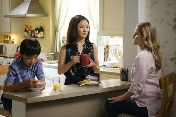 """fresh off the boat episode 601 help unwanted season premiere promotional photo 17 595 - Fresh Off The Boat (S06E01) """"Help Unwanted?"""" Season Premiere Preview + Promo"""