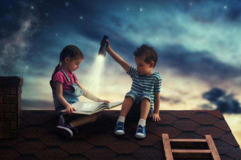 الرسوم والحبكة من المقومات الفنية الجاذبة للطفل