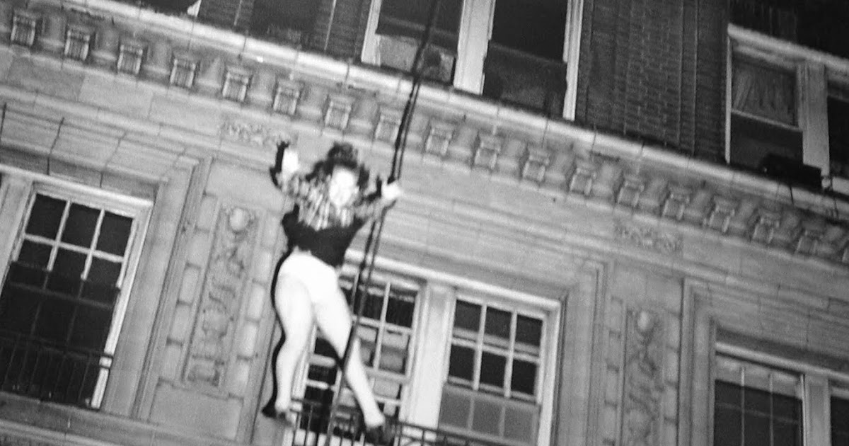 """Death Leap From Blazing Hotel"""" – The Story Behind the Photo"""
