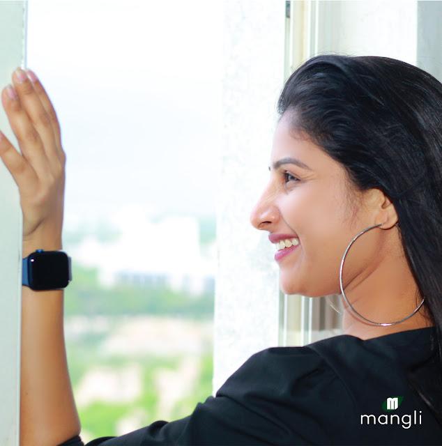 Singer Mangli Latest HD Photos in Black Dress Actress Trend