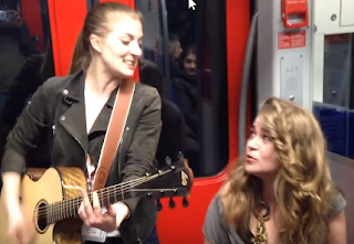 Spontane Musik Session in der S-Bahn in FFM geht um die Welt