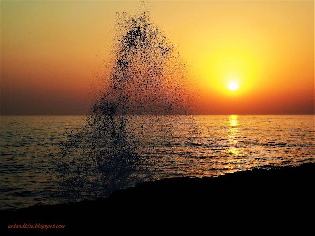 Há tanto para sentir... que apenas uma só existência, não chega!... / There is so much to feel... that only one existence, it is not enough!...
