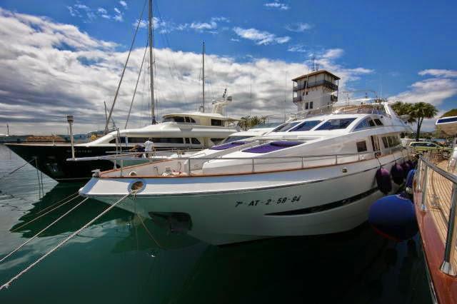 CAPTAIN     -     ASTONDOA 91 FT South of France, France Balearic Islands, Spain