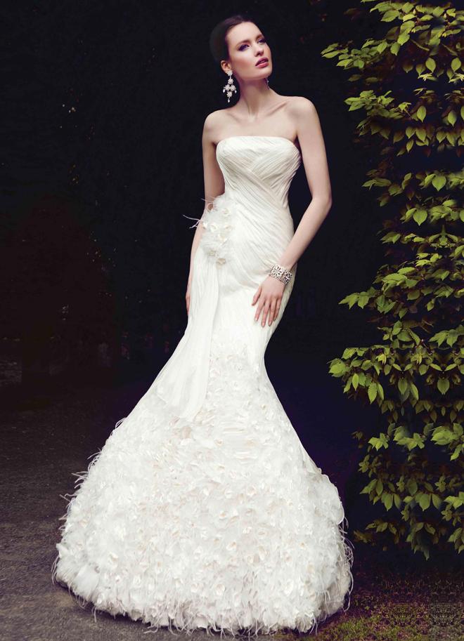 Origami Inspired Wedding Dress Photoshoot with Hattie Ellis | 913x660