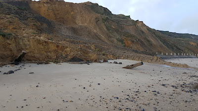 Cliff fall trimmingham beach on January 26th, 2020, image 3
