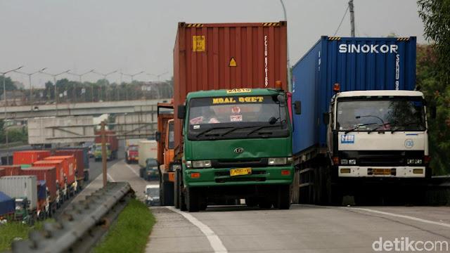 Pembangunan Jalan Jokowi Hanya Perlancar Arus Barang Impor
