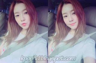 Foto Irene Red Velvet Selfie di mobil