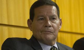 Para o vice Mourão os filhos de Bolsonaro são moleques