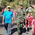 Meriahkan HUT RI ke-74, Babinsa Koramil 14/Cimanggu Ikut Jalan Sehat Bersama Warga