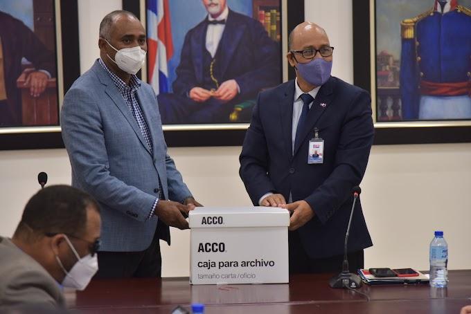 Director de Gabinete del MINERD asegura no dejarán a otras autoridades las responsabilidades de esta gestión; entregan más informes