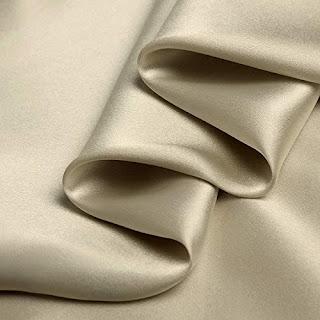 معنى ارتداء الحرير في الحلم