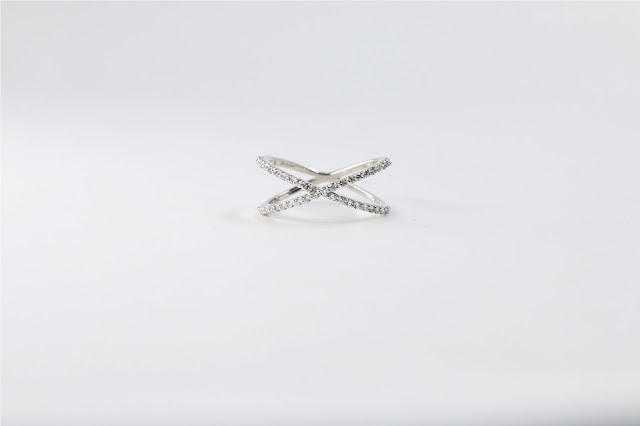 Criss Cross Diamond Ring. Rs. 23,970