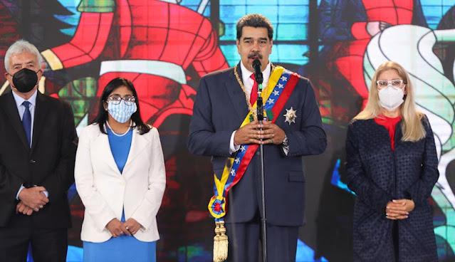 """MADURO: """"ESTAMOS DE PIE, MÁS REVOLUCIONARIOS Y LIBRES QUE NUNCA"""""""