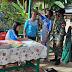 Personel Satgas Pamtas RI-Malaysia Yonif 144/JY Bantu Tenaga Medis Posyandu di Mensiau
