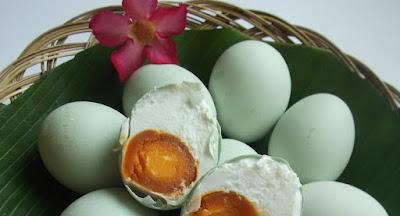 Cara Membuat Telur Asin Aneka Rasa