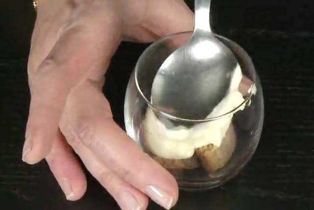 Preparazione del Tiramisù senza mascarpone 04