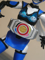 SH Figuarts Akiba Blue Season 2 Tsuu Bandai Tamashii Nations Luna Akibaranger Zyuranger Buckler