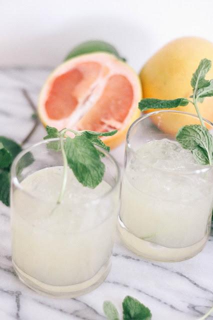 Skinny Grapefruit Mint Margaritas