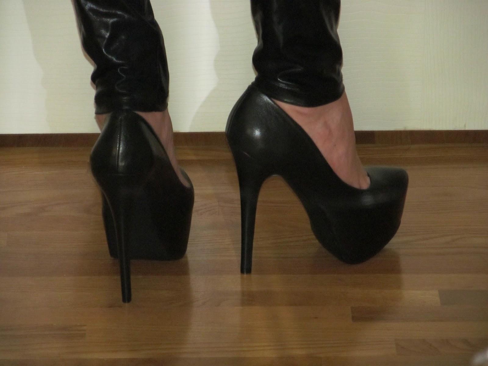 f645496cb7d Me Wearing My Black Leather Steve Madden  Dejavu  Platform Pumps With  Liquid Leggings