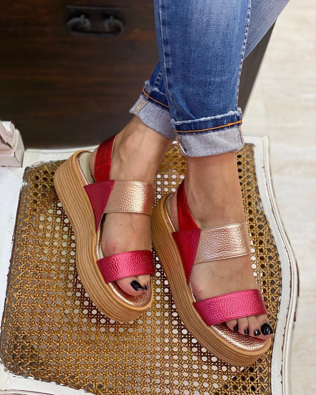 Sandalias de colores 2021
