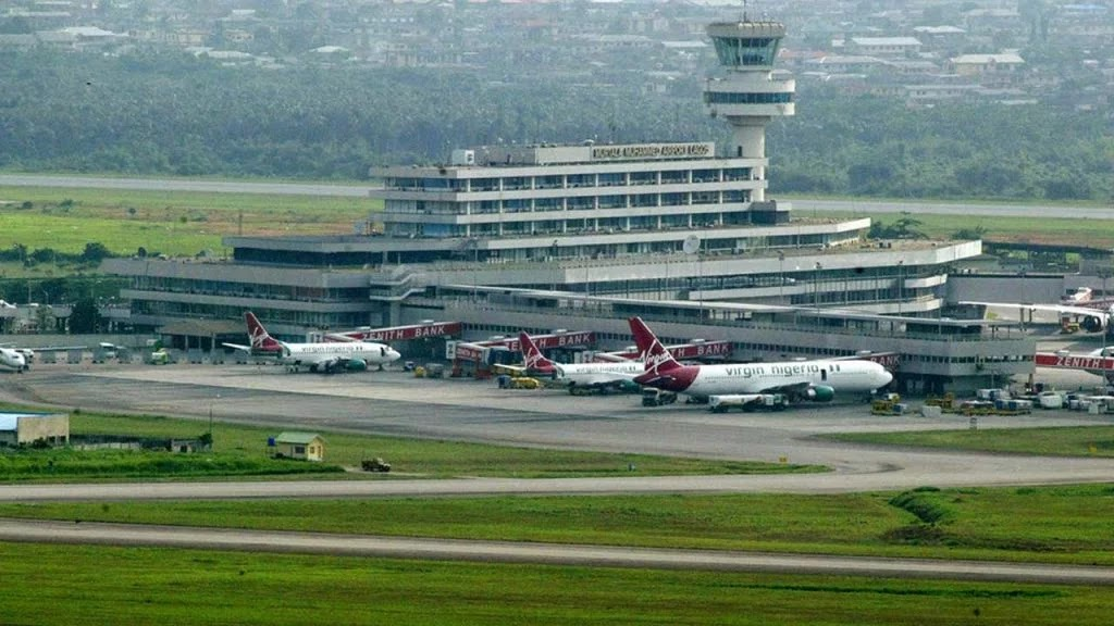 Another batch of 322 Nigerians arrive Lagos from US #Arewapublisize