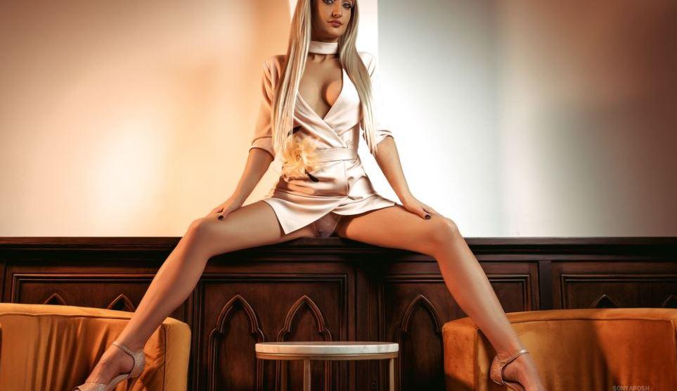 SonyaPosh Model GlamourCams