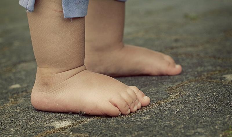 Çocuğunuzun topuk ağrısını göz ardı etmeyin