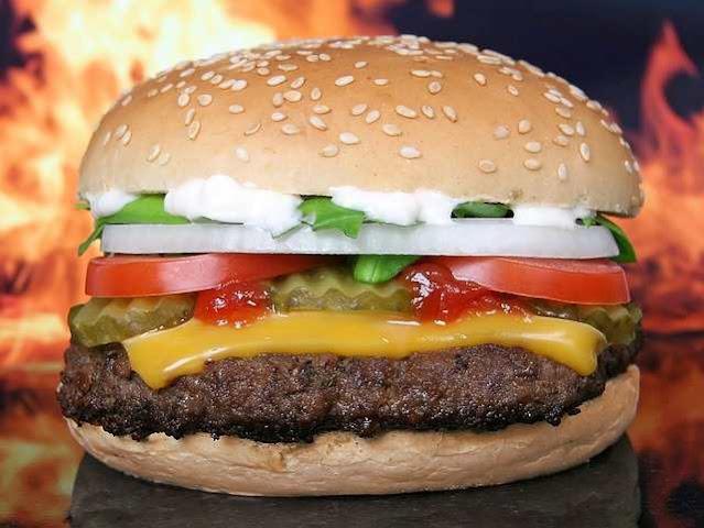 كم سعرة حرارية في برجر ماكدونالدز؟