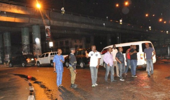 Ambode & His Security Chiefs On Early Morning Patrol In ...