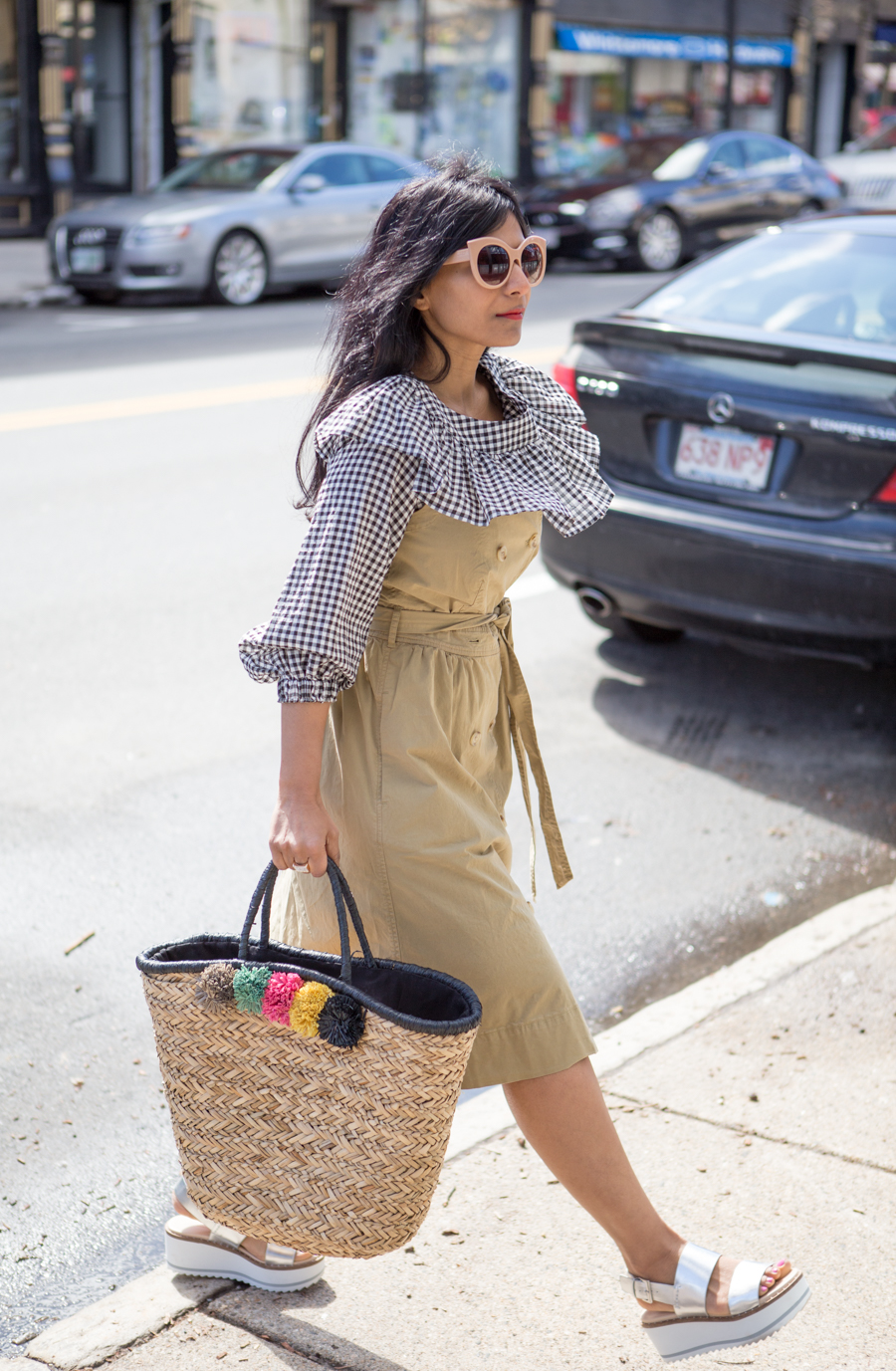 womens fashion, petite style, j.crew style, preppy, fashion-forward, beach tote, summer bag, spring fashion, petite fashionista, style hunter, flatforms, spring fashion trends, gingham, ruffles